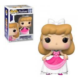 Cenicienta con vestido rosa
